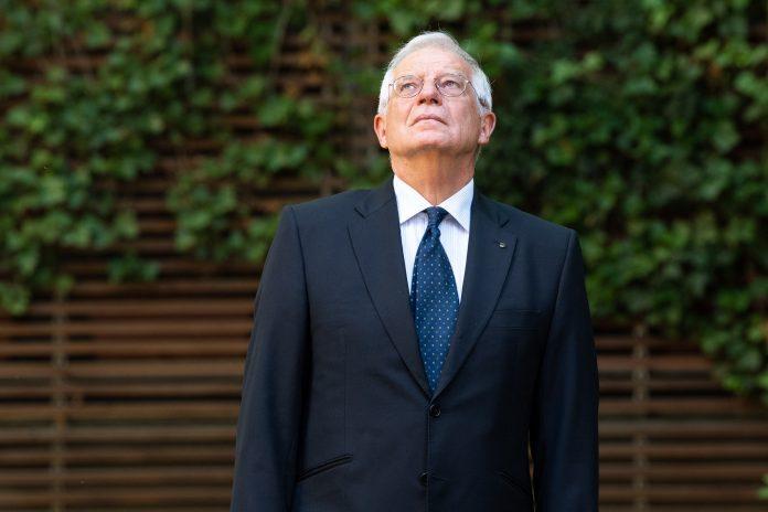 El ministro socialista Borrell, una vez más, aplaude todo lo que dice Mohamed 6, sea lo que sea 😳😳😳