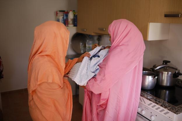 La familia saharaui de Caso ya tiene calefacción y agua caliente | El Comercio