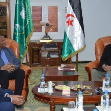 El Presidente de la República recibe al representante del Alto Comisionado de las Naciones Unidas para los Refugiados en Argelia   Sahara Press Service