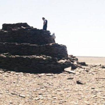 Poemario por un Sahara Libre: Un tesoro arqueológico: Encuentran misteriosas estructuras de piedra en el Sáhara