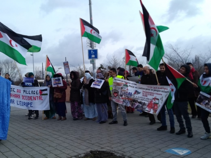 Ante acuerdos comerciales UE y Marruecos, manifestantes saharauis en Estrasburgo rechazan maniobras de la Comisión Europea destinadas a continuar saqueando los recursos saharauis | Sahara Press Service