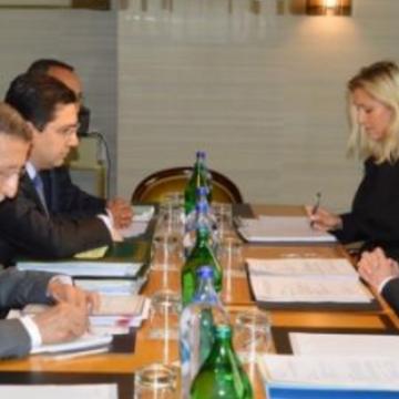 Marruecos sucumbe a la presión y asiste al encuentro con Köhler. La prensa marroquí censura la noticia.
