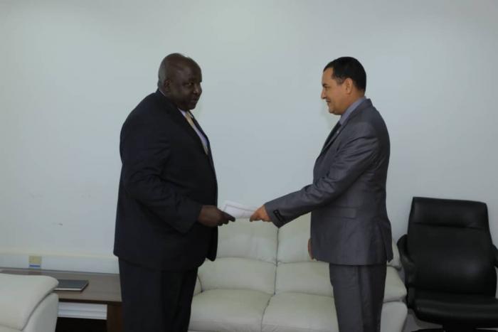 Nuevo embajador saharaui en Uganda presenta sus cartas credenciales como Embajador Extraordinario y Plenipotenciario   Sahara Press Service
