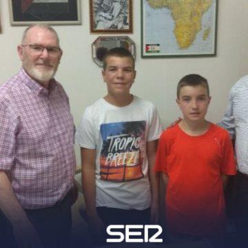 Dos niños donan su regalo de cumpleaños a la Asociación de Amigos del Pueblo Saharaui | Radio Palencia | Cadena SER