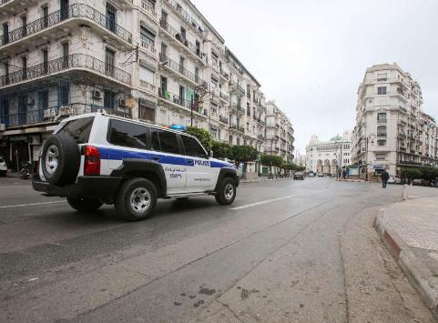Argelia extiende hasta el 13 de junio el confinamiento por Covid-19 y excluye a 4 provincias de la medida, entre ellas Tinduf